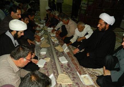 افطاری شهر کوهنانی توسط دفتر رهبر معظم انقلاب +عکس