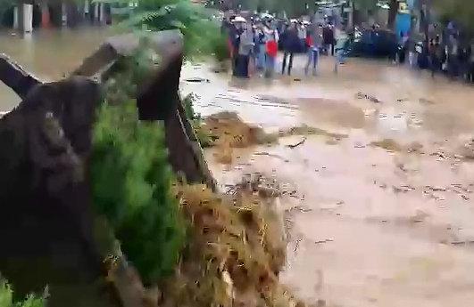 قطع شدن کامل راه ارتباطی ۶۵ روستای کوهدشت