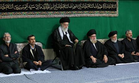 تصاویر مراسم عزاداری محرم ۹۴در حسینیه امام خمینی(ره) با حضور رهبر عظم انقلاب