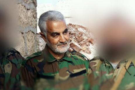 حضورحاج قاسم سلیمانی در منطقه«باشکوی»سوریه(اطراف حلب)+عکس