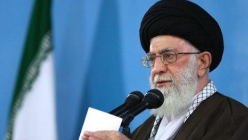 رهبر معظم انقلاب: امروز بیعت با امام خمینی(ره) بیعت با پیامبر(ص) است.