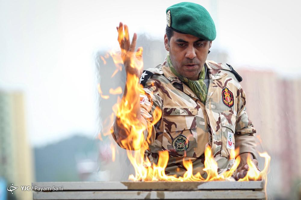 تصاویر صبحگاه مشترک یگانهای نمونه ارتش و اجرای حرکات نمایشی