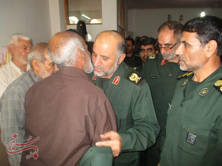 تصاویر دیدار سردار کشکولی از خانواده شهید مدافع حرم کوهدشتی