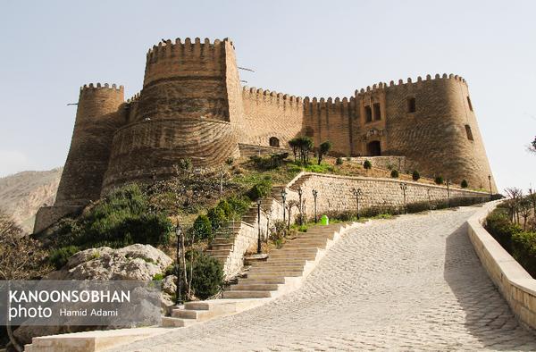 سلیمانی: ۹۵۰۰ گردشگر از قلعه «فلک الافلاک» خرمآباد دیدن کردند.