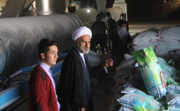 تصاویر بازدید میدانی حجت الاسلام مبلغی از کارخانه مواد شوینده کوهدشت