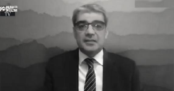 تلویزیون امنیتی من و تو در اقدامی نادر کارشناس خود را به خاطر انتقاد از وابستگی شدید محمدرضا پهلوی به غرب بازداشت کرد